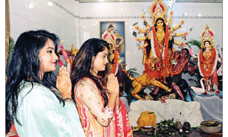 শারদীয় দুর্গাপূজা : আজ মহাঅষ্টমী, হচ্ছে না কুমারীপূজা