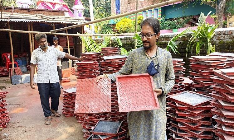 শিমুলের তৈরি টাইলস ছড়িয়ে যাচ্ছে সারাদেশে